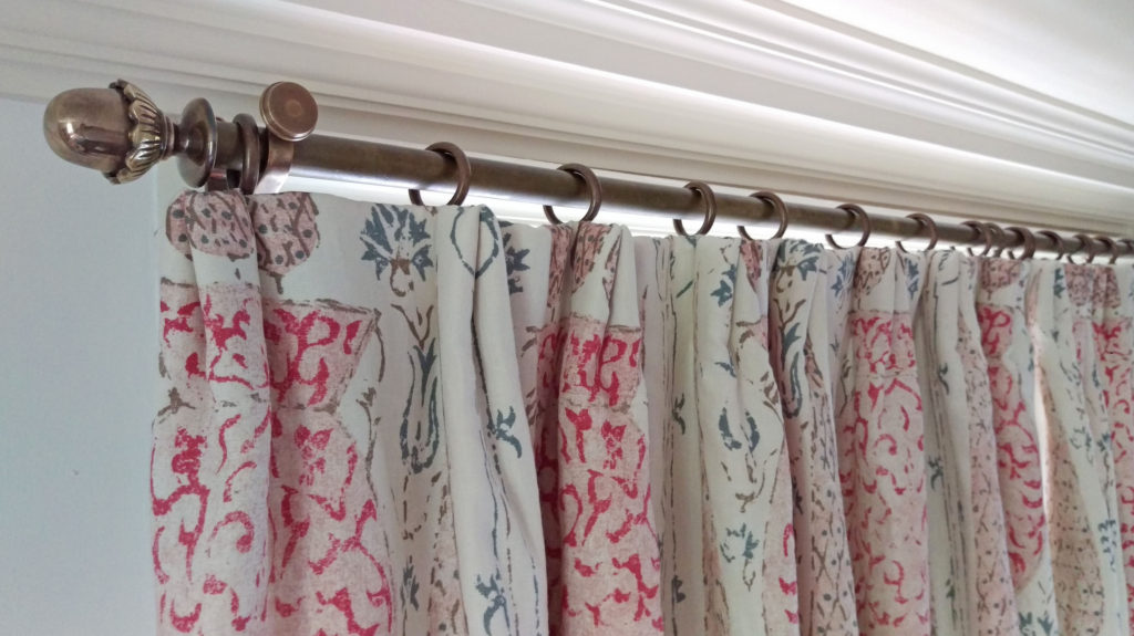 informal pinch pleat curtain heading