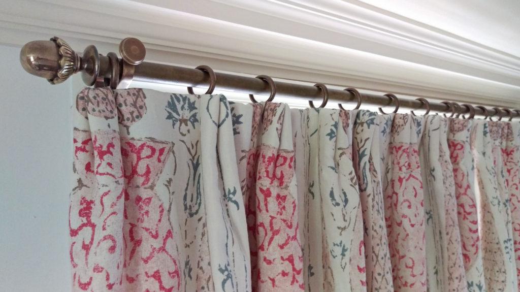 informal pinch pleat curtain heading